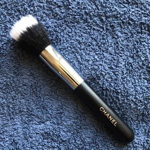 Pre-owned Chanel makeup brush #7